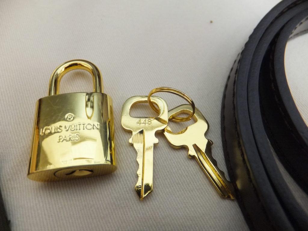 ルイヴィトンのパドロック(南京錠)とキー